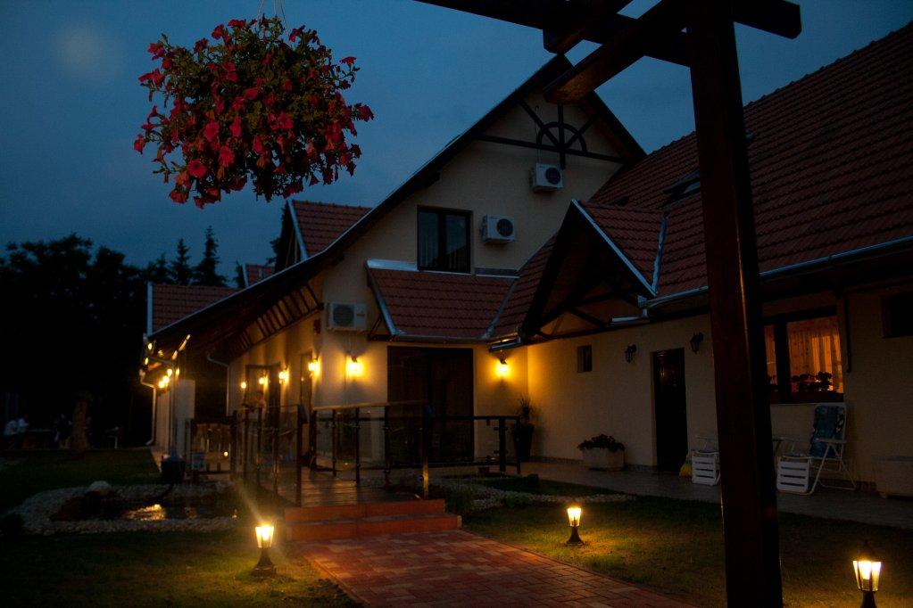 Cazare la Neon 2 - Oroshaza, Ungaria
