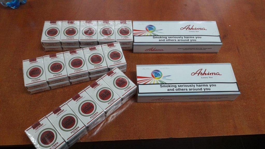 2100 de fire de țigări netimbrate, ridicate în vederea confiscării în această dimineață de Jandarmii Arădeni
