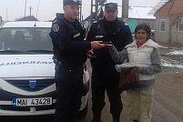 Geantă cu acte, bani si carduri cancare casită de Jandarmii din Chișineu-Criș