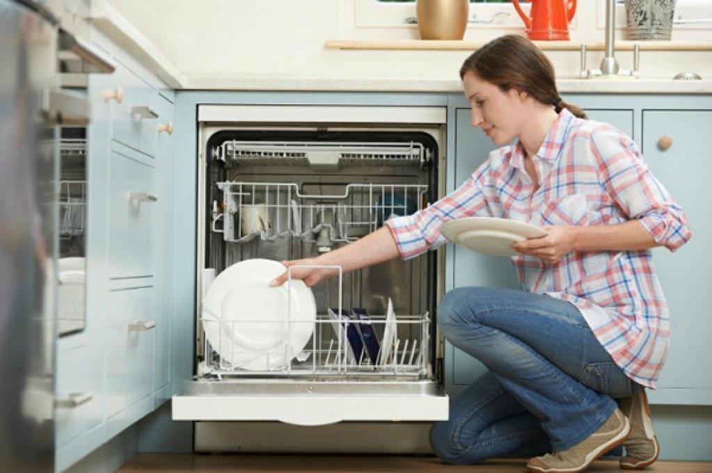 Orice gospodina are nevoie de o masina de spalat vase. Economiseste timp si energie cu ajutorul electrocasnicelor potrivite