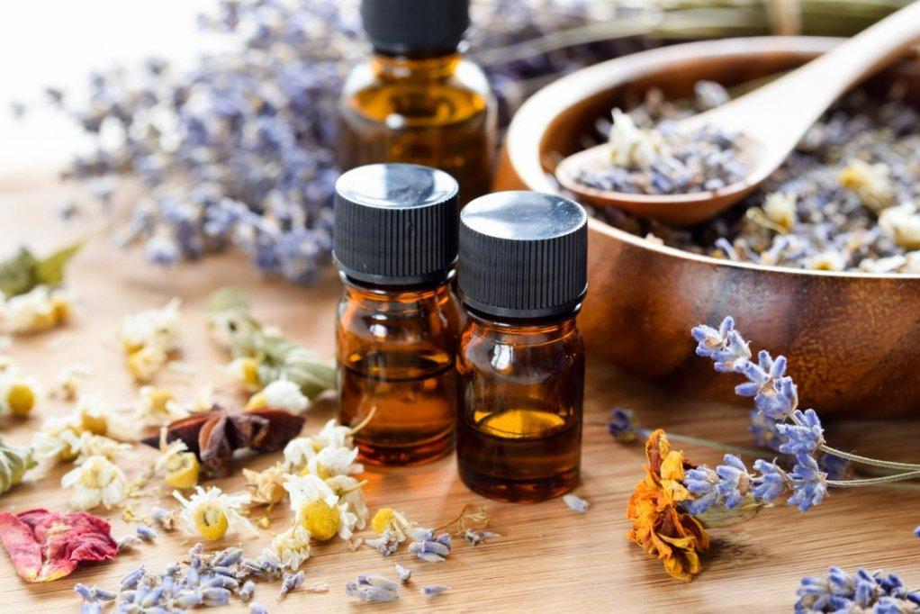 Cele mai bune uleiuri esentiale pentru a reduce stresul