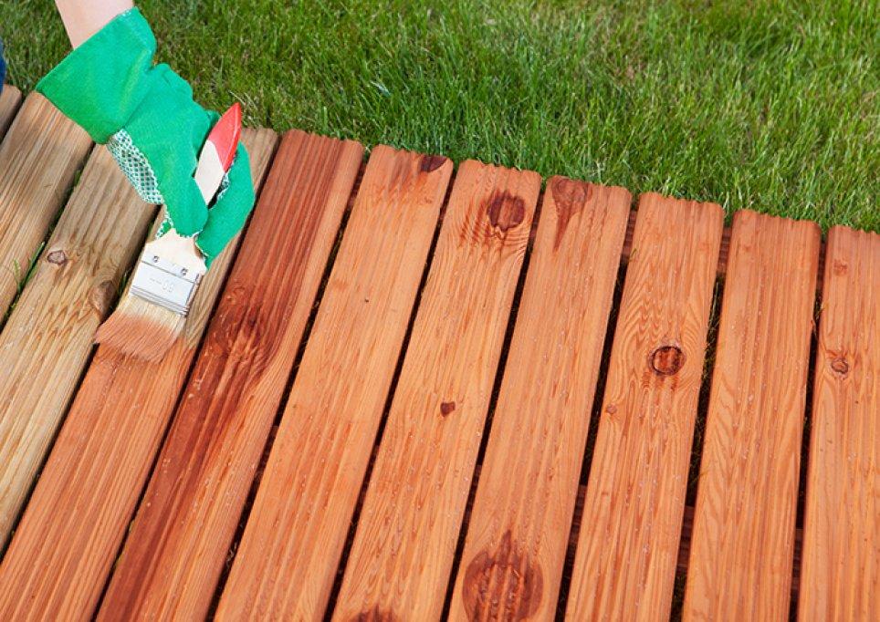 Cauti cel mai bun lac pentru lemn? Vezi TOP 5 beneficii pe care le ofera gama ZOBEL
