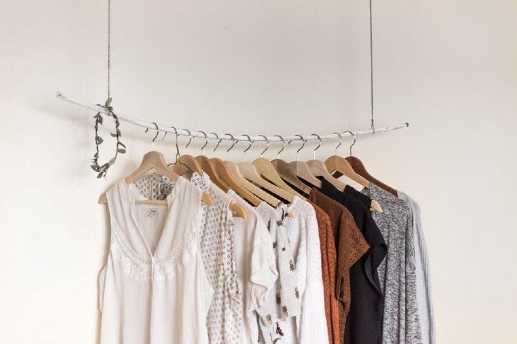 Cum să fii fashion de 1 Decembrie: idei de ținute tradiționale stilizate