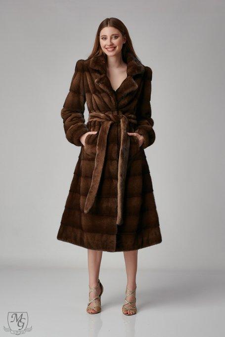 Peste 100 de modele de haine din blana de nurca te asteapta online