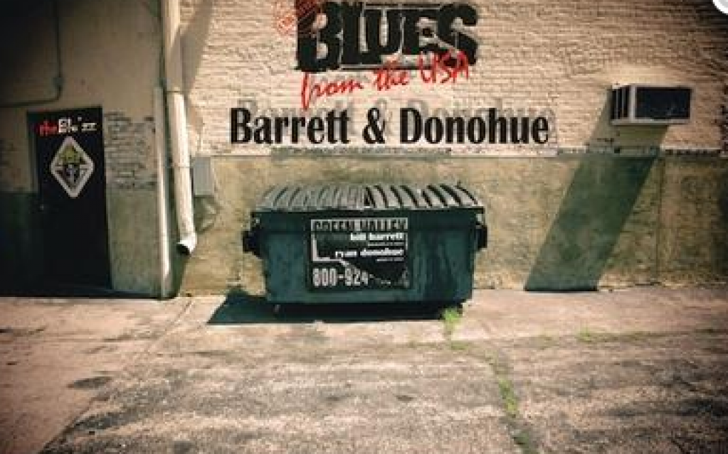 Barrett & Donohue canta la The Blu'ZZ