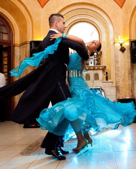 Dansuri de societate – grupe noi din 4 si 11 Noiembrie la scoala de dans Joie de Vivre