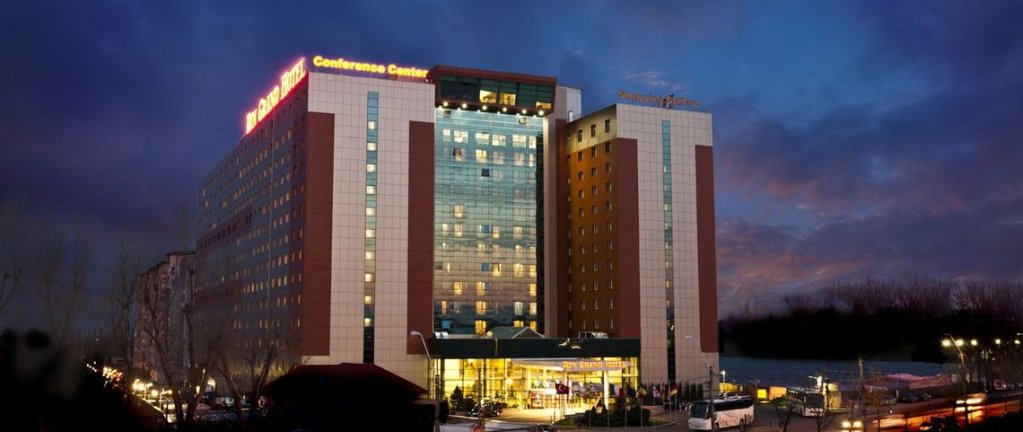 Hotel Rin Grand  Bucuresti ****