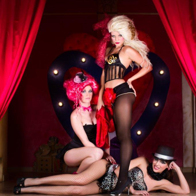 Moulin Rouge PARTY, LAP DANCE si STRIPTEASE PARTY...18 hostesse senzuale...SUPER PETRECERI DE BURLACI