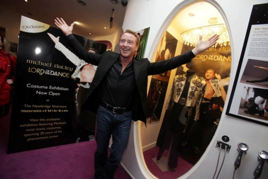 Costumele lui Michael Flatley, expuse la cel mai nou muzeu al designului din Irlanda!