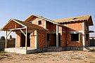 Constructii case la rosu in Bucuresti