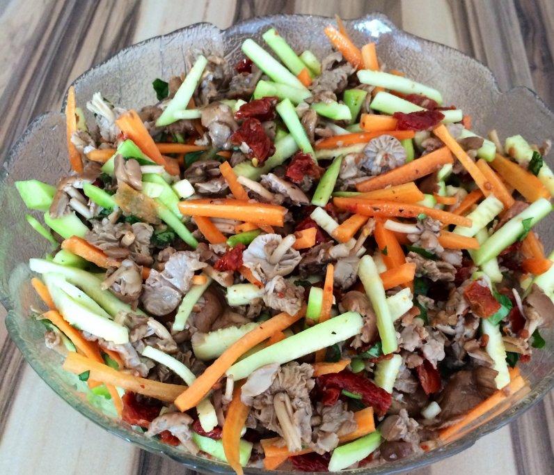 Salata de bureti de roua