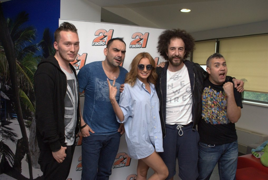 "Radio 21 a lansat, astăzi, imnul Liberty Parade 2014: DJ Andi feat. Alexandra Stan – ""Set me free""!"