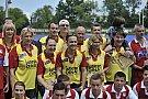 Meci de oina intre Nationala de Fotbal a Artistilor si Echipa Vedetelor