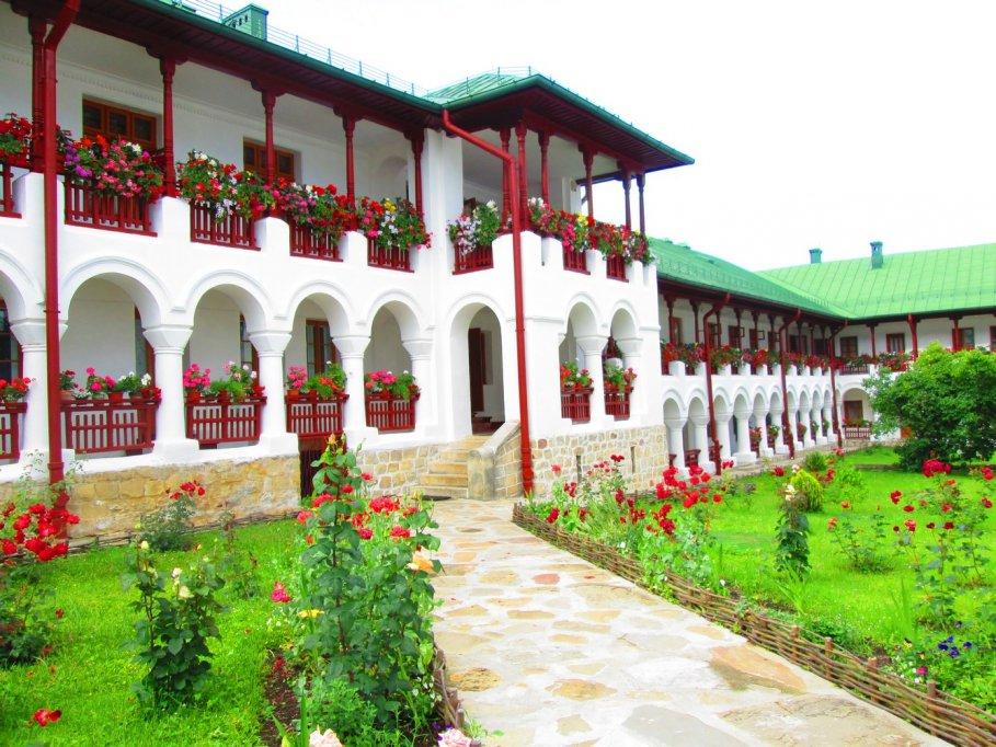 Pelerinaj Manastiri TINUTUL NEAMTULUI