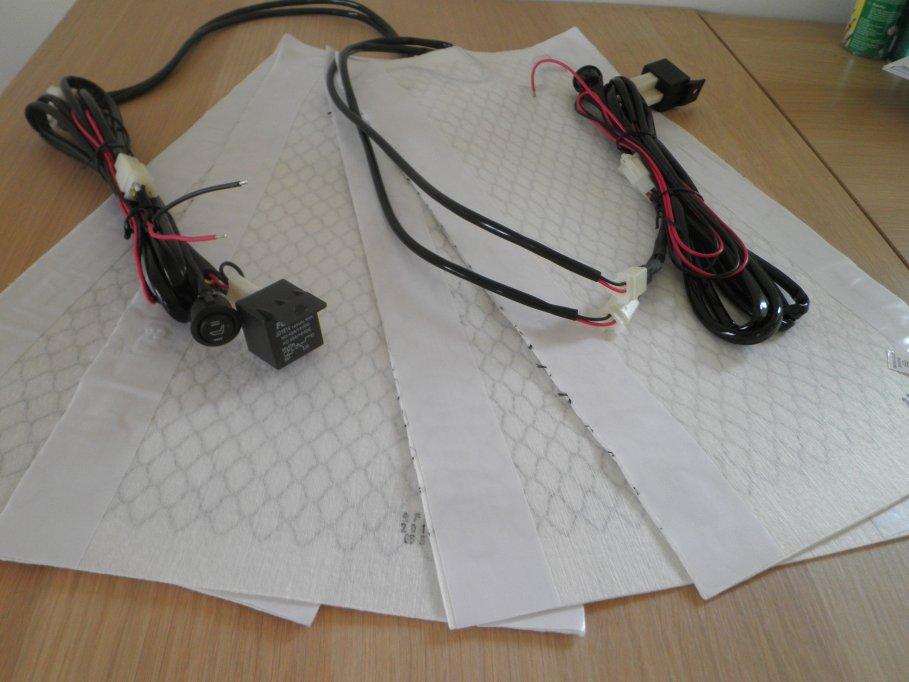 Kit Incalzire Scaune Auto cu Fibra de Carbon cu buton rotund
