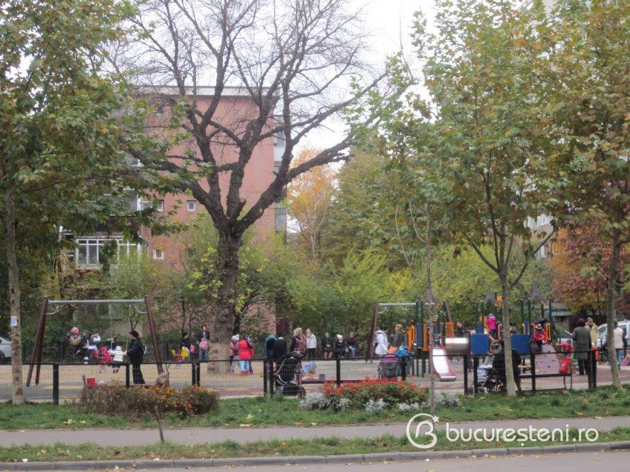 Loc de joaca - Bulevardul Uverturii