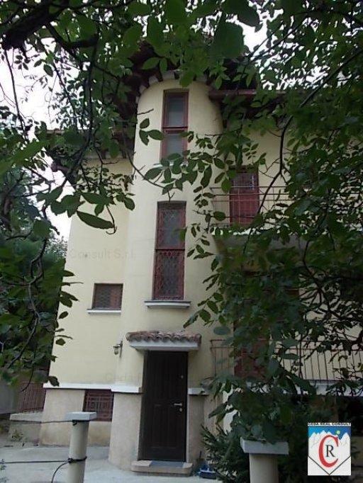 vila de inchiriat Primaverii