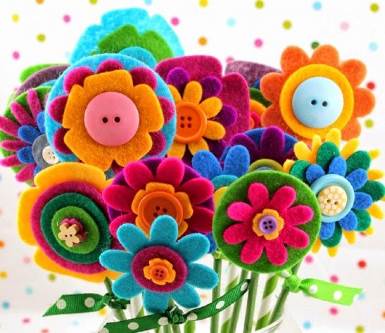 De ziua ta mamico - flori decupate si vesel colorate