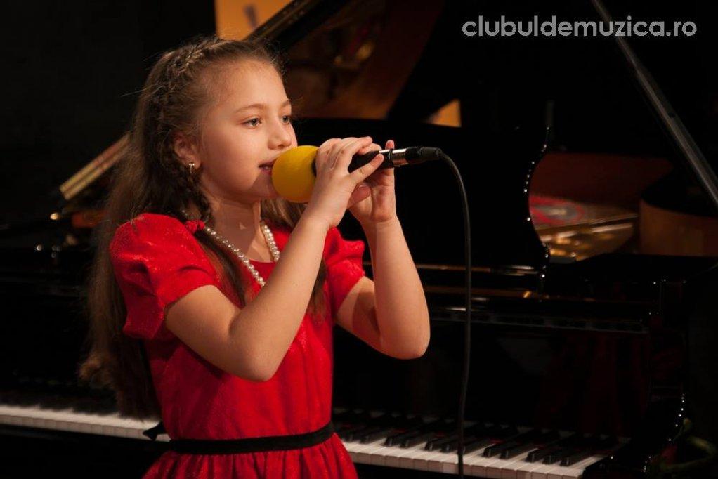 """Clubul de Muzica.ro, premiat la Festivalul National de muzica pop ,,Tu esti primavara mea"""" 2015"""