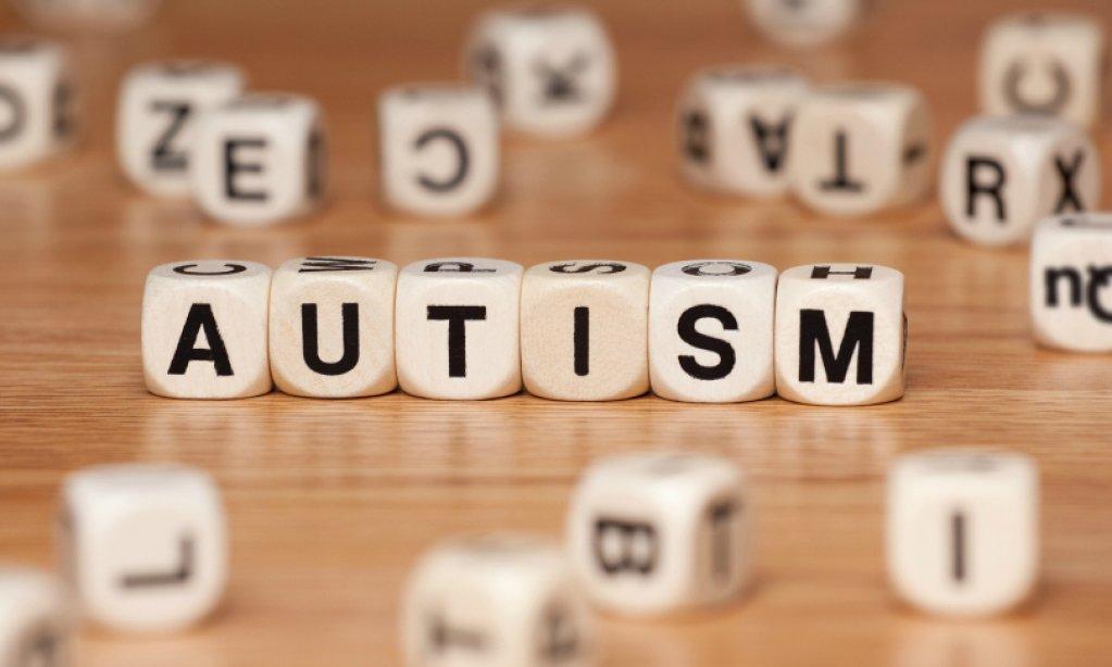 Cati copii autisti sunt in Romania?