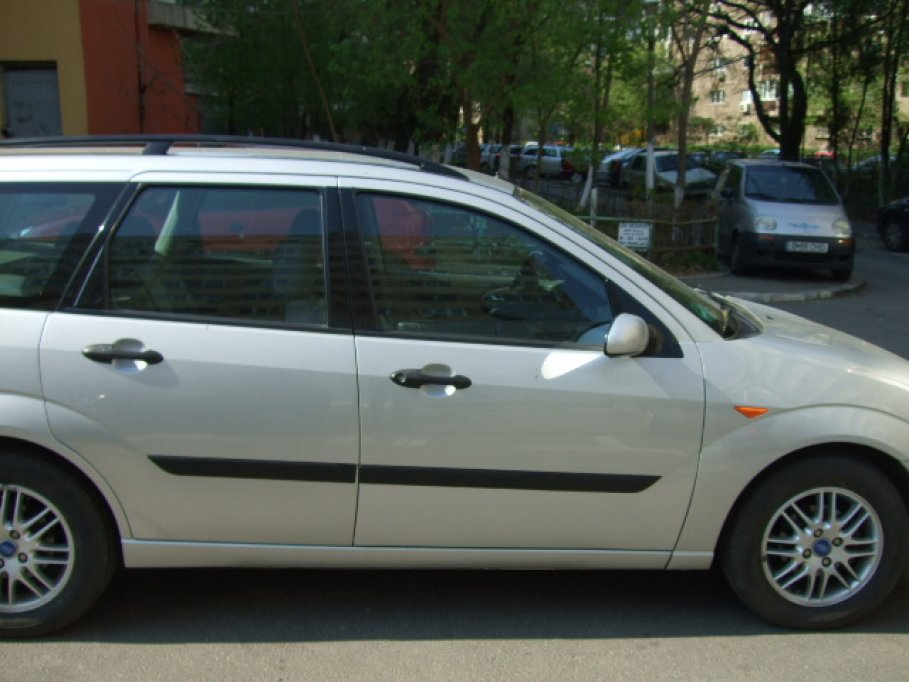 Ford Focus Break Ghia 1.8/16 valve 2000