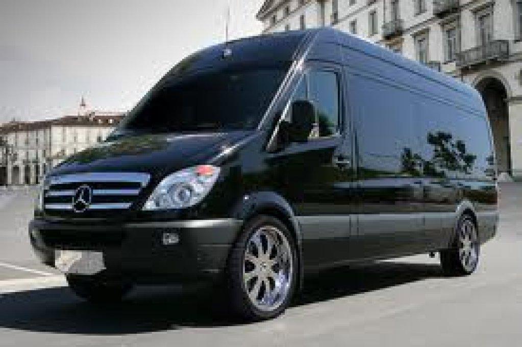 Transport rutier de marfa cu microbuse