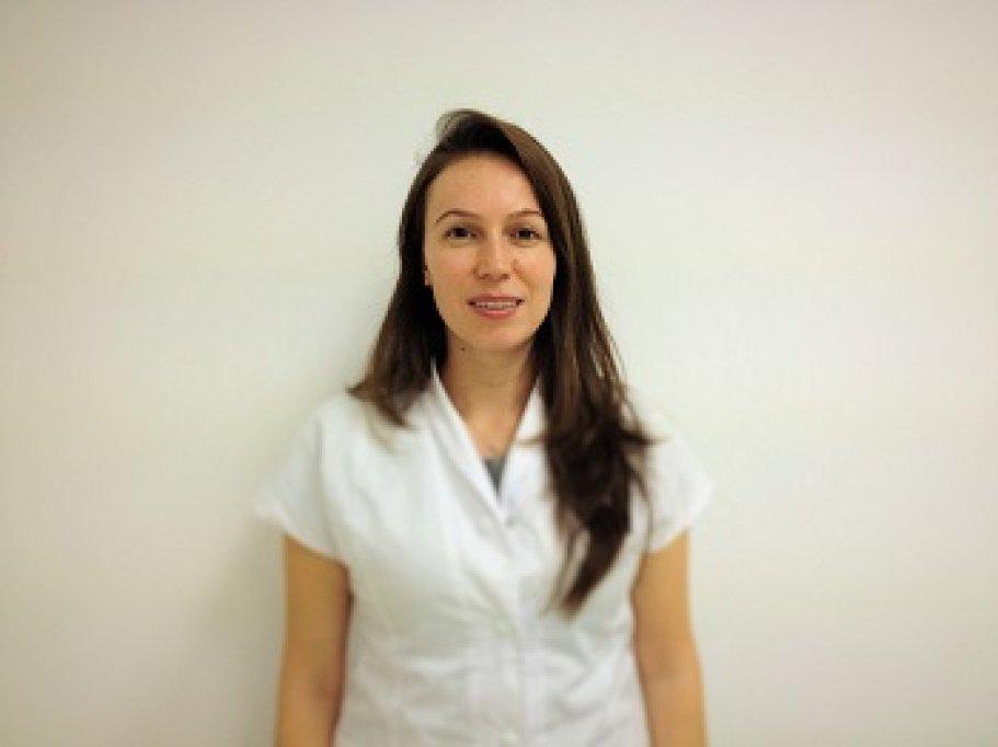 Hangu Nicoleta - doctor