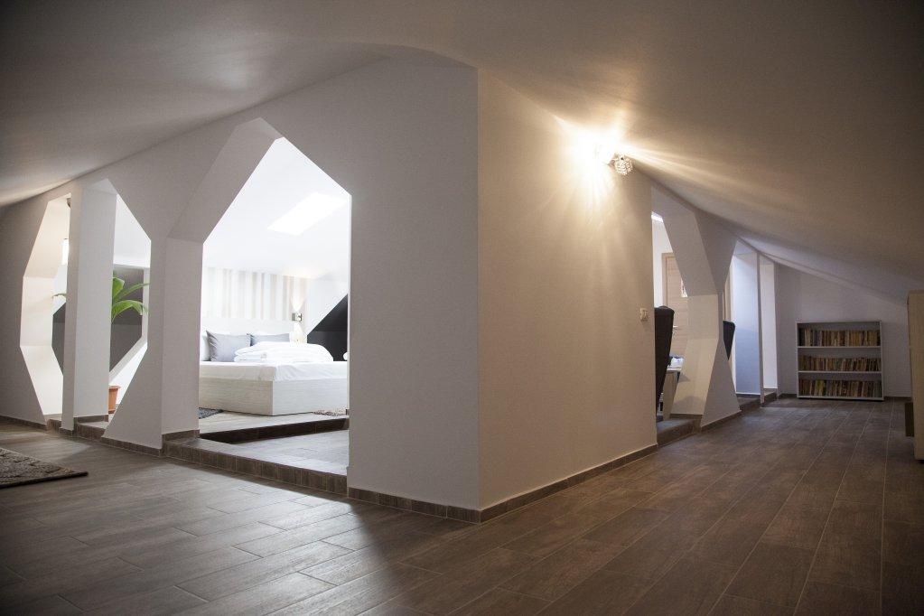 Camere si apartamente in regim hotelier