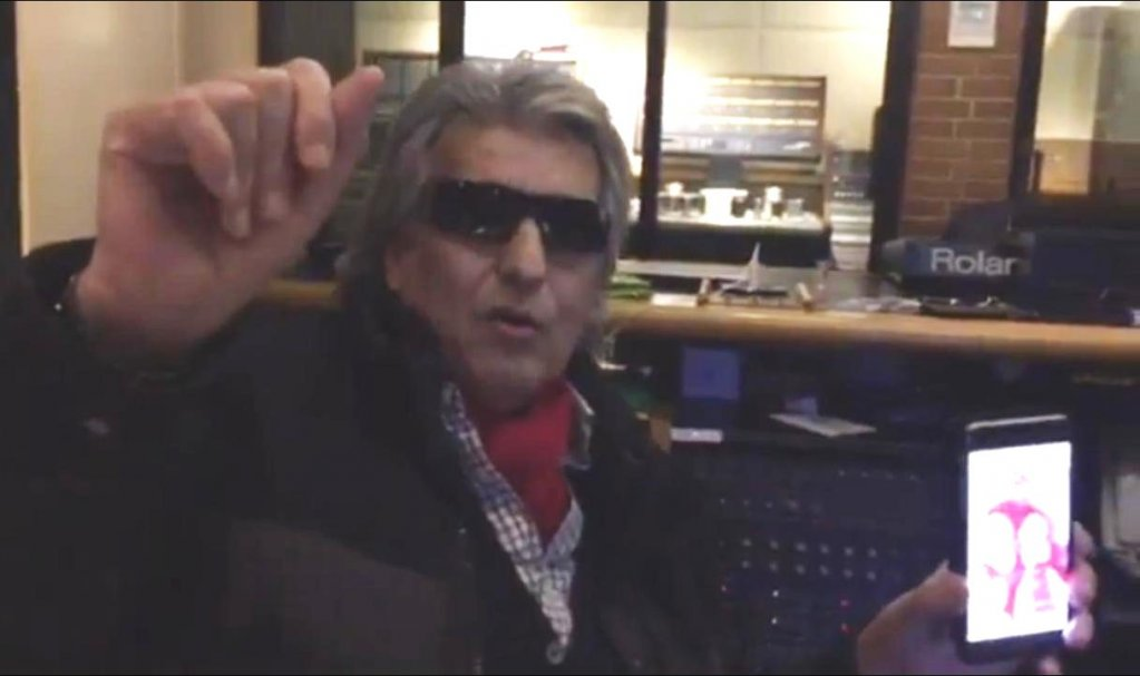 De Martisor, TOTO CUTUGNO le-a oferit romancelor un sarut virtual si un mesaj video
