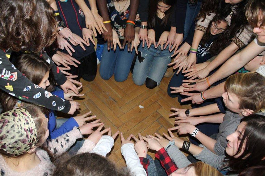 activitati nonformale pentru elevi cu deficiente de auz prin program Erasmus