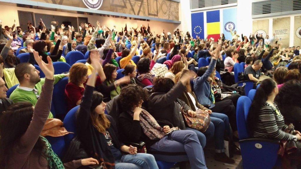 Psihologii din ţară se revoltă şi cer alegeri democratice în Colegiul Psihologilor din România