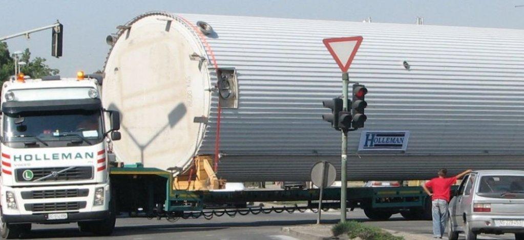 Transporturile agabaritice – una dintre cele mai dificile activitati. Ce se ascunde in spatele acestor servicii?