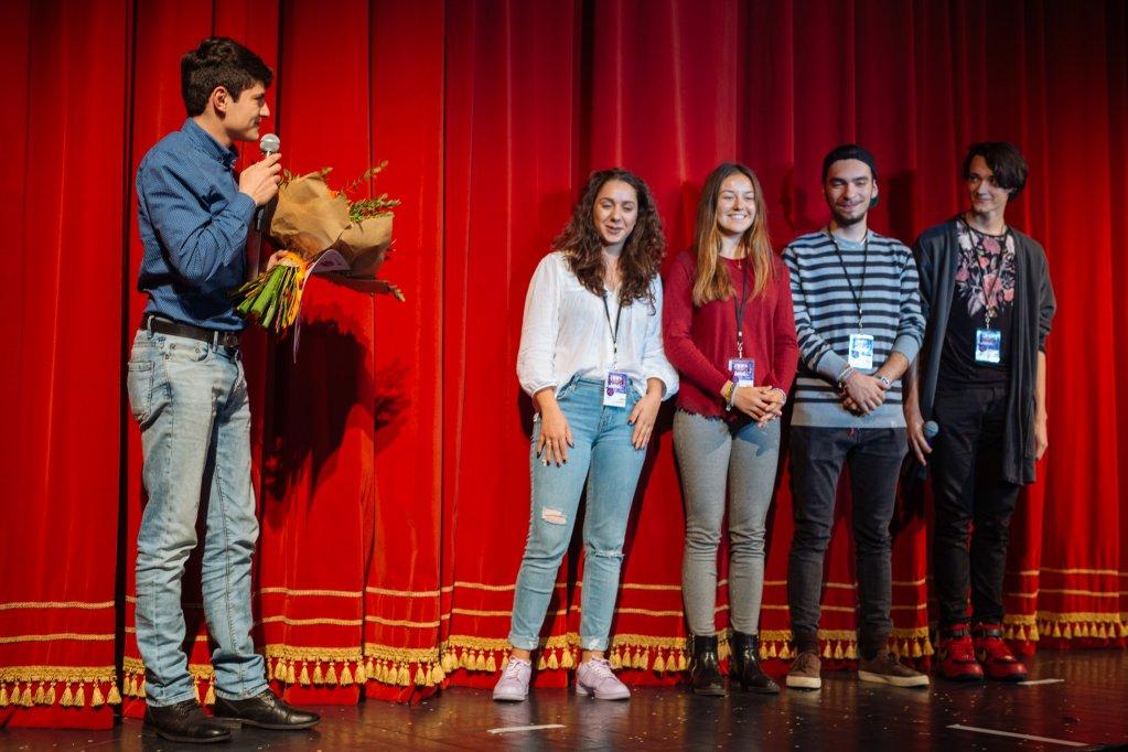 O întâmplare ciudată cu un câine la miezul nopții – câștigătorul premiului elevilor la EXCELSIOR Teen-Fest 2017