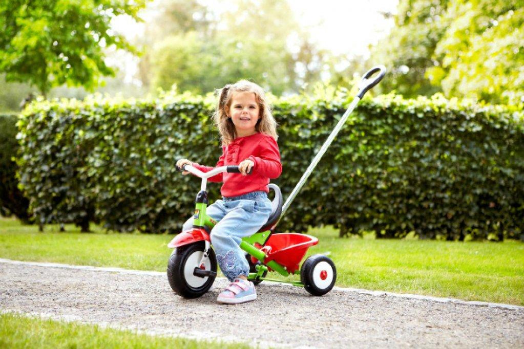 Dezvoltarea sanatoasa a copilului cu ajutorul tricicletei potrivite. Ofera-i celui mic posibilitatea de a face miscare!