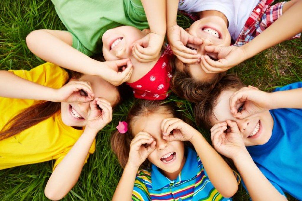 Atelier de dezvoltare personală prin teatru pentru copii (8-12 ani)