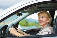 Ai peste 40 de ani și nu știi să conduci? Iată de ce nu ar trebui să îți fie teamă să înveți