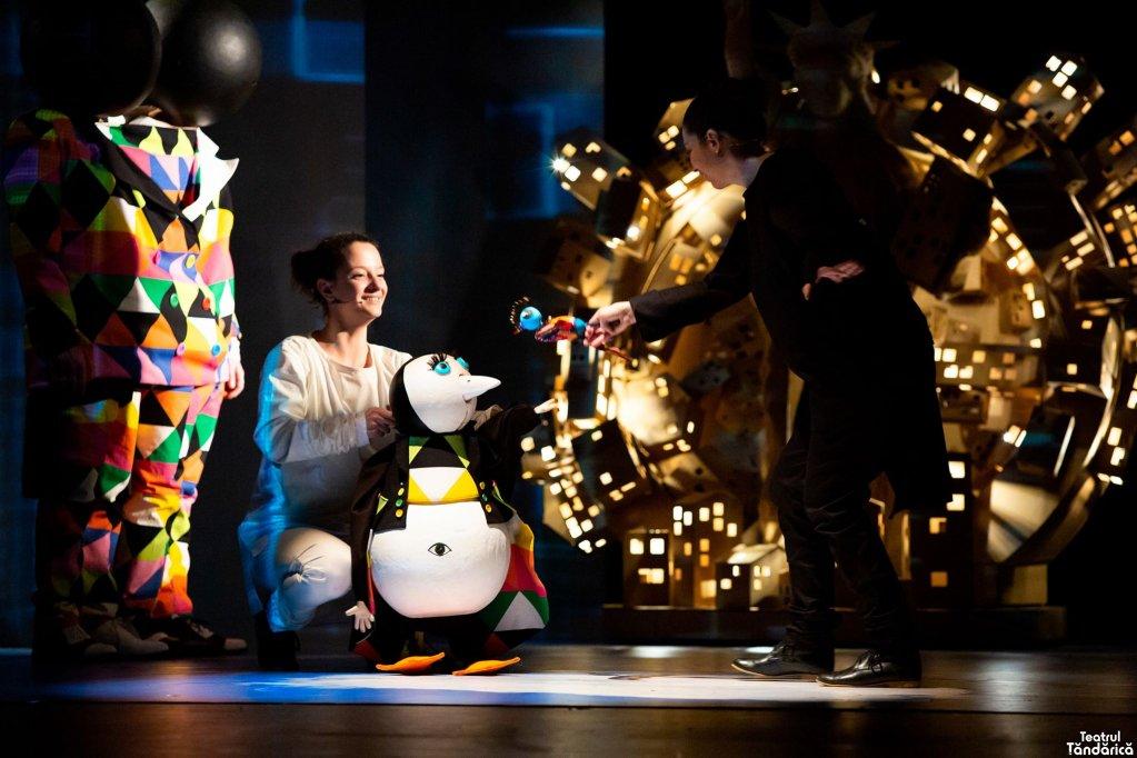 Apolodor, noua premieră de la Teatrul Țăndărică