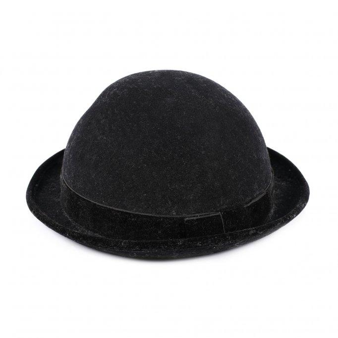 10.000 de euro pentru o pălărie