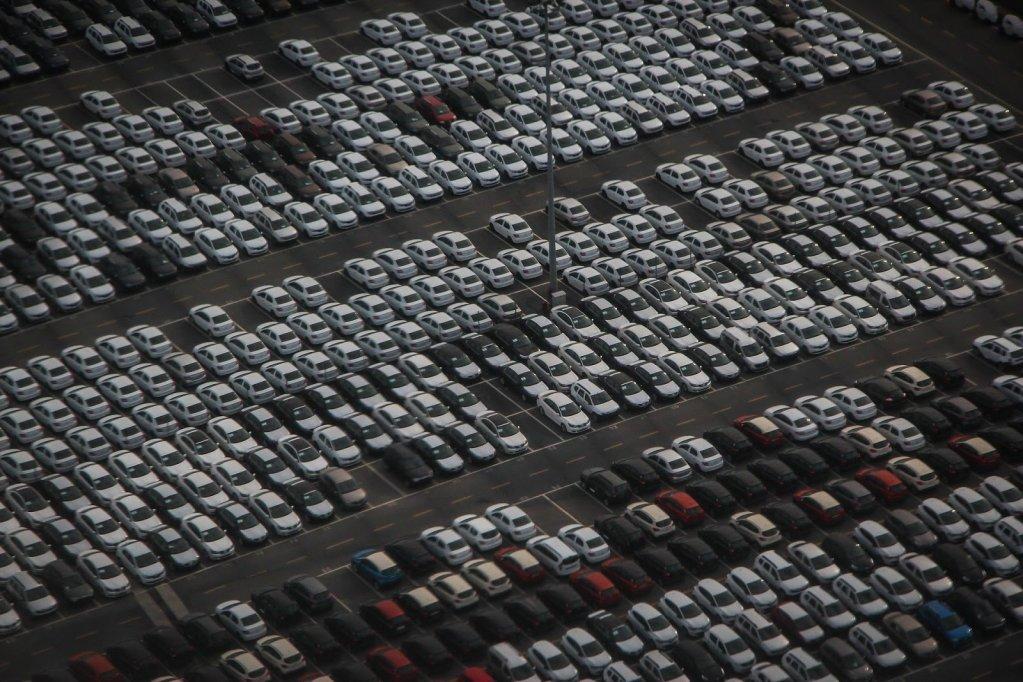 Mașină nouă vs mașină second hand: Ce ar trebui să știi?
