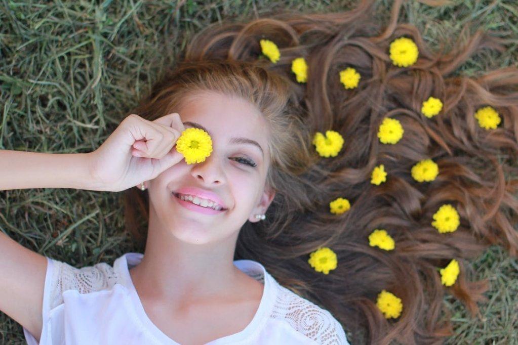 Activități online de vacanță pentru adolescenți – Mindfulness, impovizație și stil vestimentar