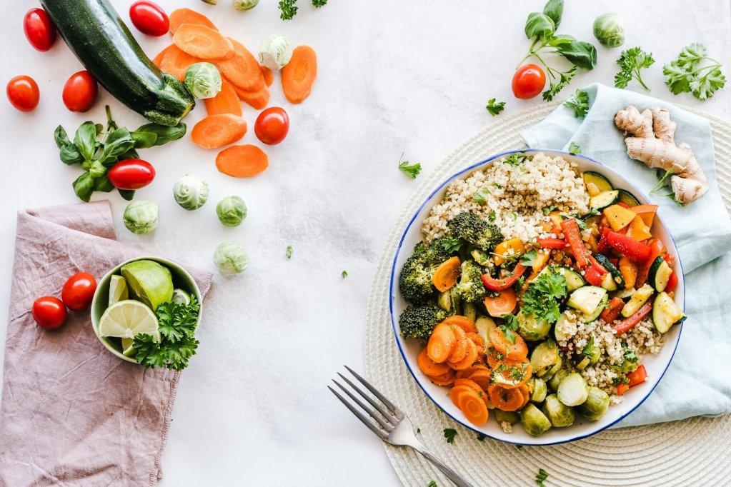 Cinci sfaturi pentru a scăpa de obiceiurile alimentare proaste