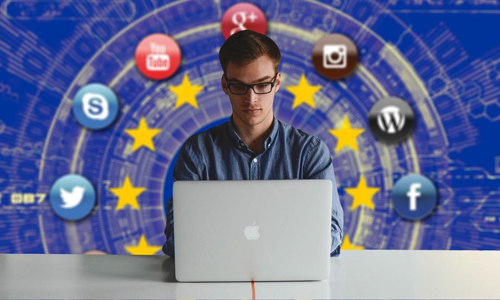 Ce presupune protecția datelor în mediul virtual? Informații utile