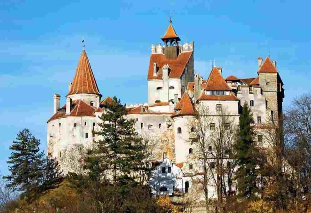 Palatele și Castelele știute și neștiute ale României