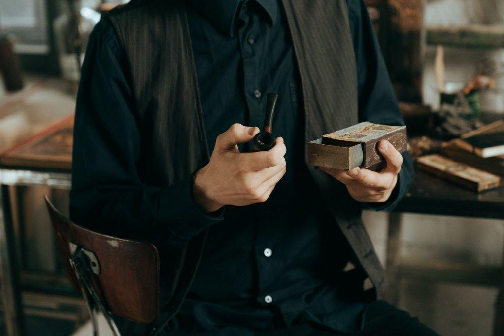 Secretele fumatului la pipa: Tot ce trebuie sa stii despre aceasta pasiune veche de secole