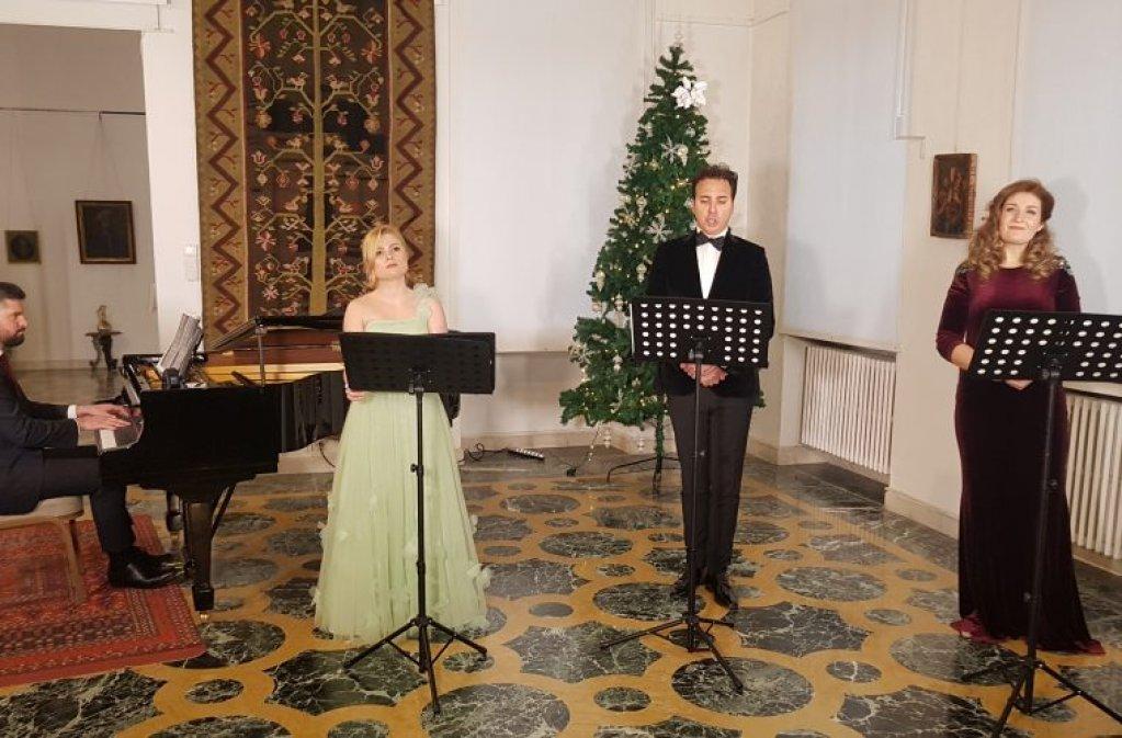 Muzica ne aduce împreună! Recital de arii și duete dedicat medicilor și personalului medical din România