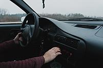 5 trucuri ca să conduci mai bine mașina
