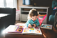 Ce combinații de culori poți folosi în camera copilului