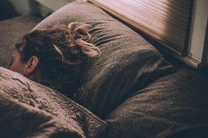 remedii-naturiste-pentru-somn