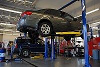 Revizia auto la un service autorizat sau în reprezentanță: avantaje și dezavantaje
