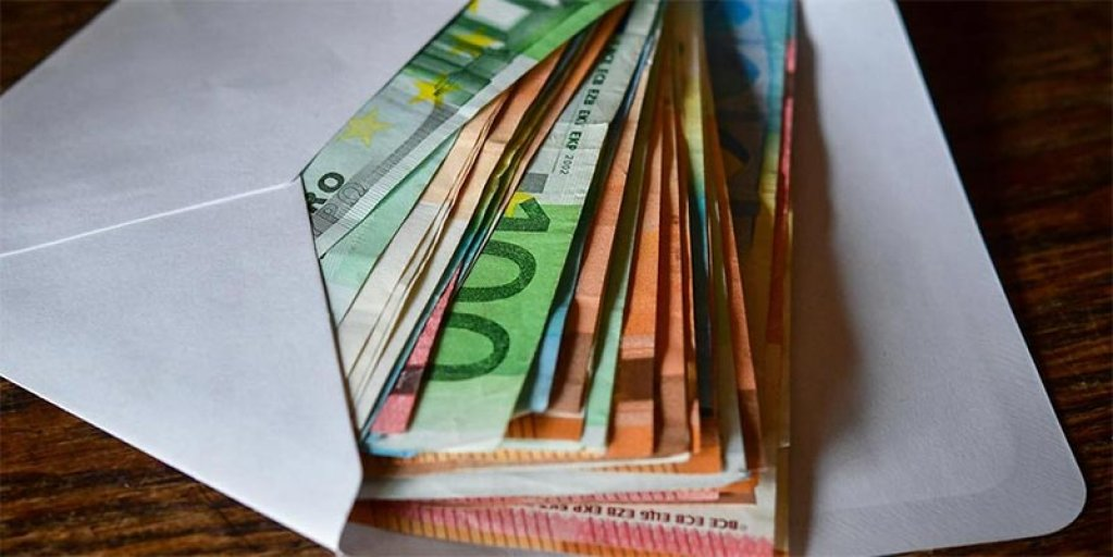 Care este salariul mediu in Romania